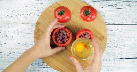 яєчня в помідорі рецепт приготування