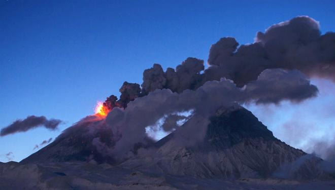 На Камчатці триває виверження вулкана Ключевський
