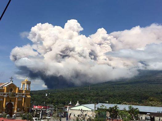 У Гватемалі «розлютився» вулкан Фуего, проводиться евакуація