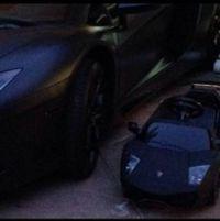 дочки кім кардашян подарували машину як у тата