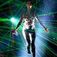 джастін бібер і кеті перрі стали кращими співаками по версії європейського mtv