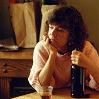 жінки середнього віку випивають більше молодих