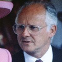 колишній прес-секретар королівського двору написав книгу про інтимні подробиці королівської сім'ї
