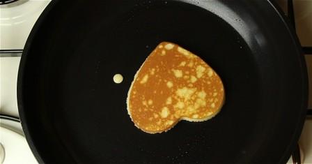 панкейкі з полуничним сиропом рецепт приготування
