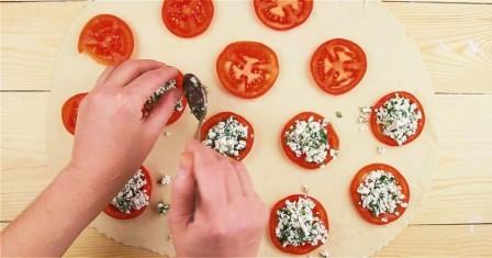 пиріжки з помідорами і сиром рецепт приготування