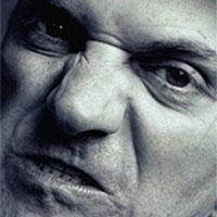 злий вираз обличчя асоціюється з силою
