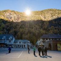 у норвезькому містечку загорілися три місцевих «сонця»