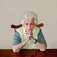самотні люди відчувають себе щасливими до 50 років