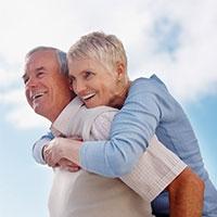 здорові кістки у чоловіків – результат міцного шлюбного союзу