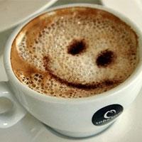 після порції кави позитивніше дивиться на життя