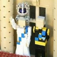 для іграшкової королеви британії виготовили корону з діамантами 48