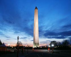 Який памятник американці називають «олівець»?