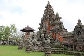 Чому Балі називають «островом богів» і «островом тисячі храмів»?