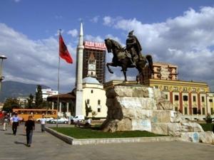 Тирана   наймолодша столиця в Європі