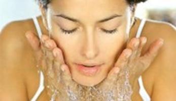 Як правильно доглядати за шкірою обличчя