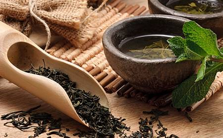 Коли і де люди почали пити чай?