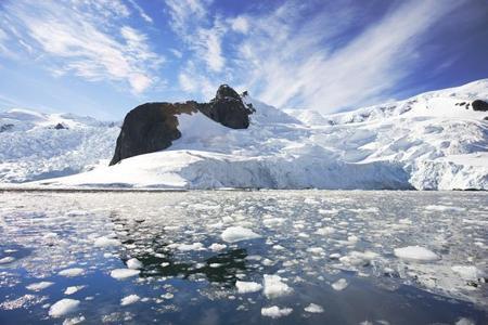 Яка небезпека загрожує Антарктиді?