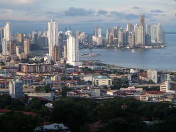 Яке місто найбільше в Центральній Америці?