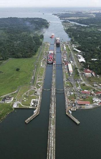 Як панамці боролися за свій Панамський канал?