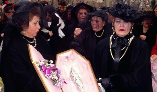 Де проходять похорони сардин?
