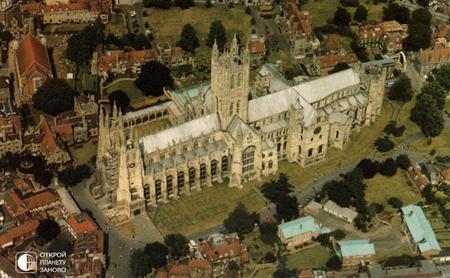 Який собор в Англії найбільший?