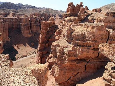 Чаринський каньйон в Казахстані   молодший брат Гранд Каньйону