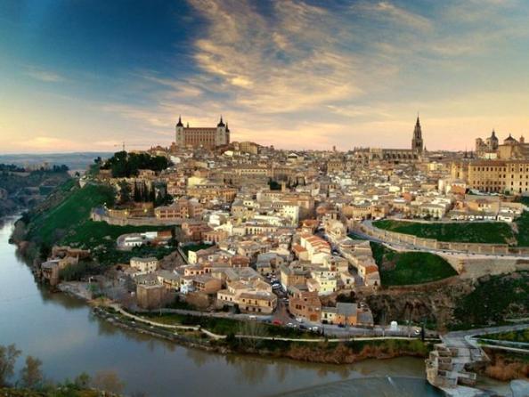 Яке місто називали «короною Іспанії»?